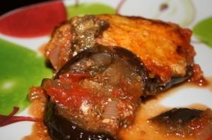 Baklazhaani - tomativorm