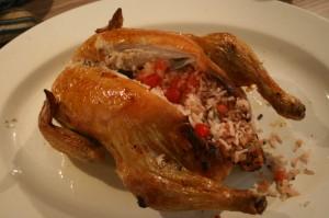 Gruusiapärane täidetud kana